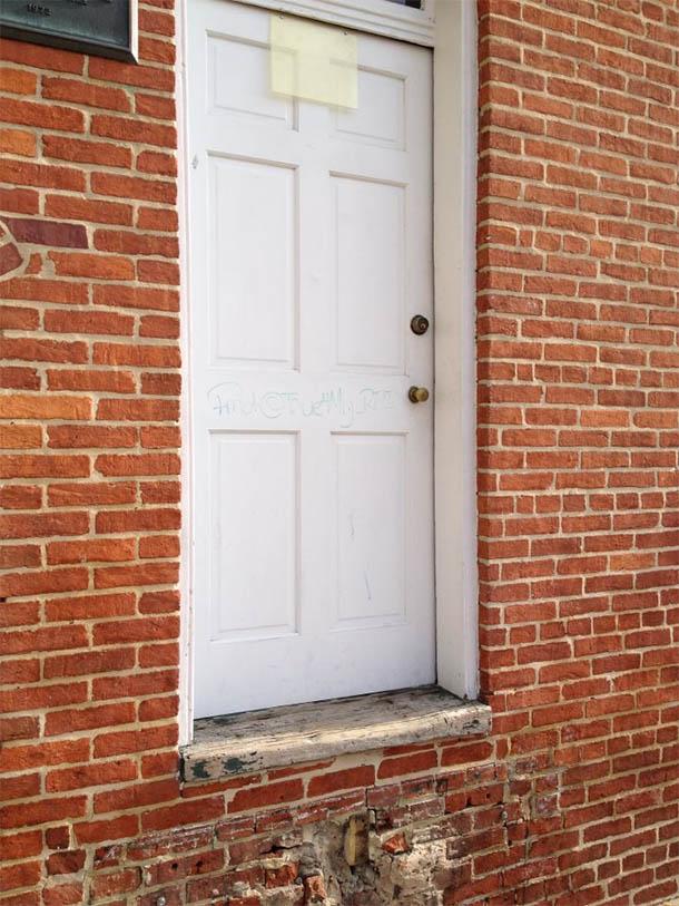 La casa di Poe a Baltimora danneggiata